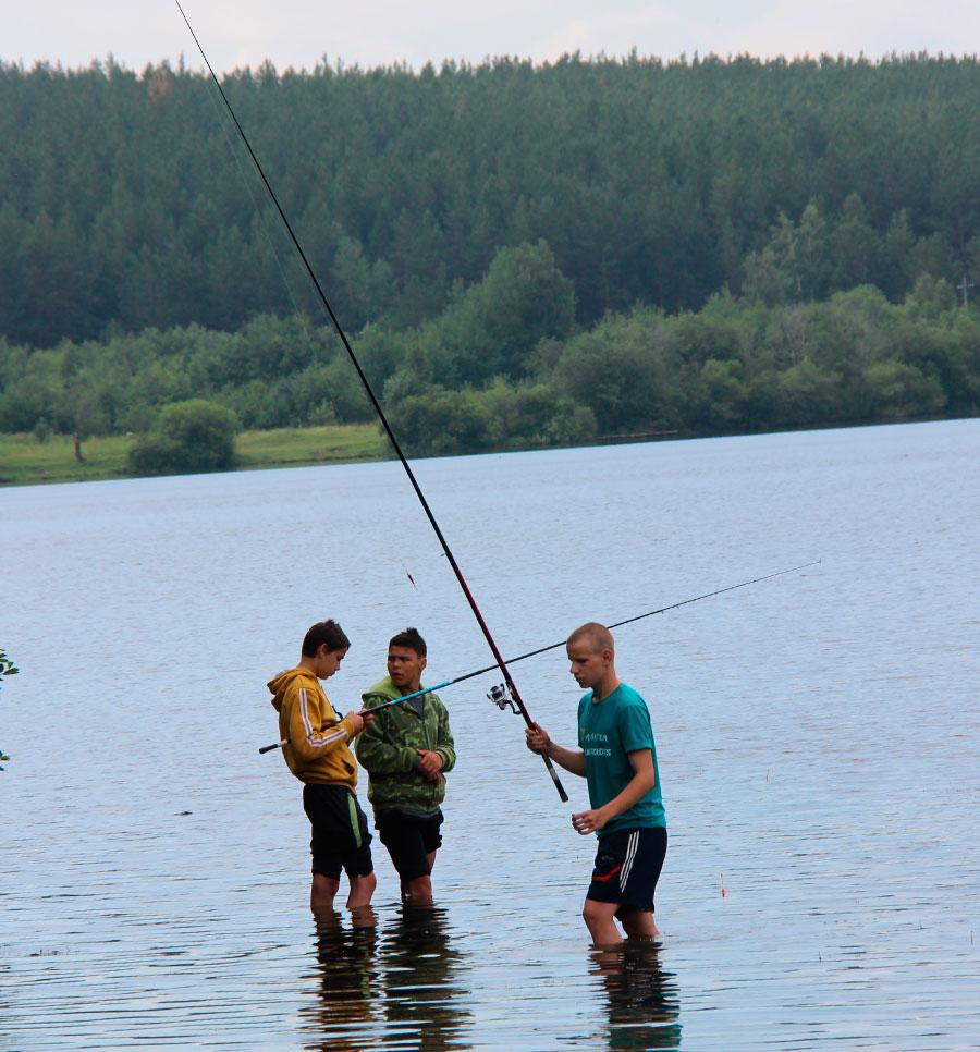 ловить рыбу на арендных прудах