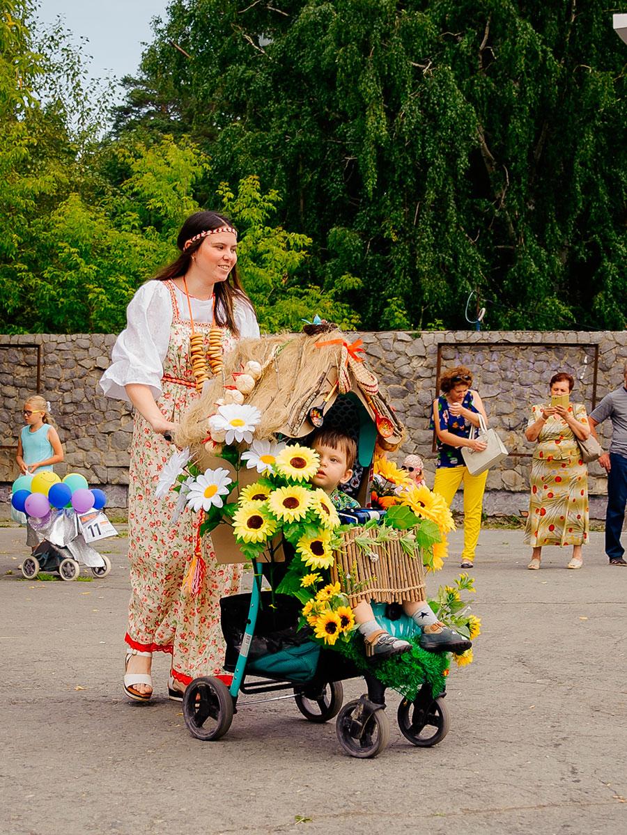 десерты парад колясок цыпленок фото памятник